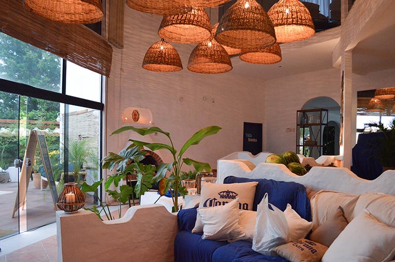 El interior de la residencia se utiliza para un servicio de spa al cual pueden acceder los clientes. Relax y cuidado de manos y pies.