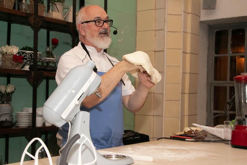 Osvaldo Gross, argentino y uno de los más afamados reposteros latinoamericanos participará en el workshop por el Día del Panadero.