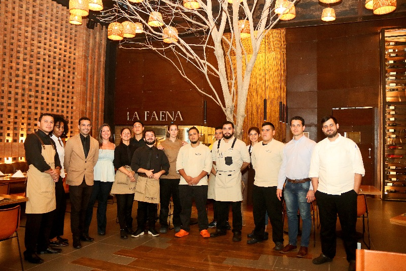 El equipo de trabajo del restaurante.