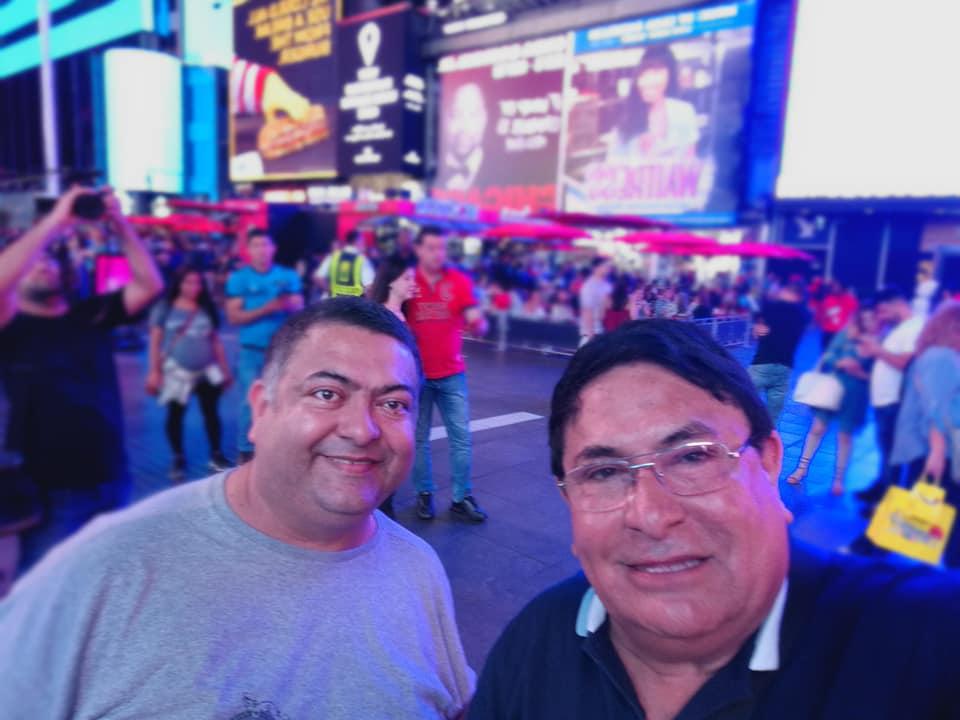 Don Benjamín Benítez con su hijo Osvaldo, en uno de los tantos viajes que realizaron para promocionar la carne paraguaya en el exterior.