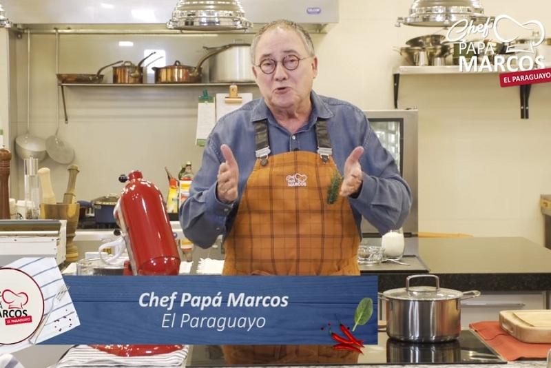 Uno de los últimos videos de Chef Papá Marcos. En su vivienda tiene montada una cocina super equipada donde realiza las filmaciones de sus recetas.