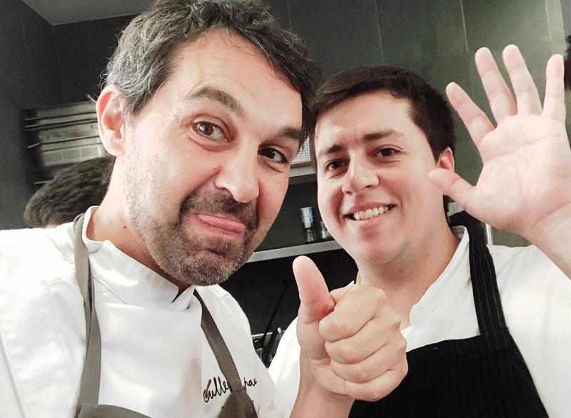 Fabian Jara Molina, derecha, aparece junto al chef Javier Olleros, elegido este año como el mejor de España.