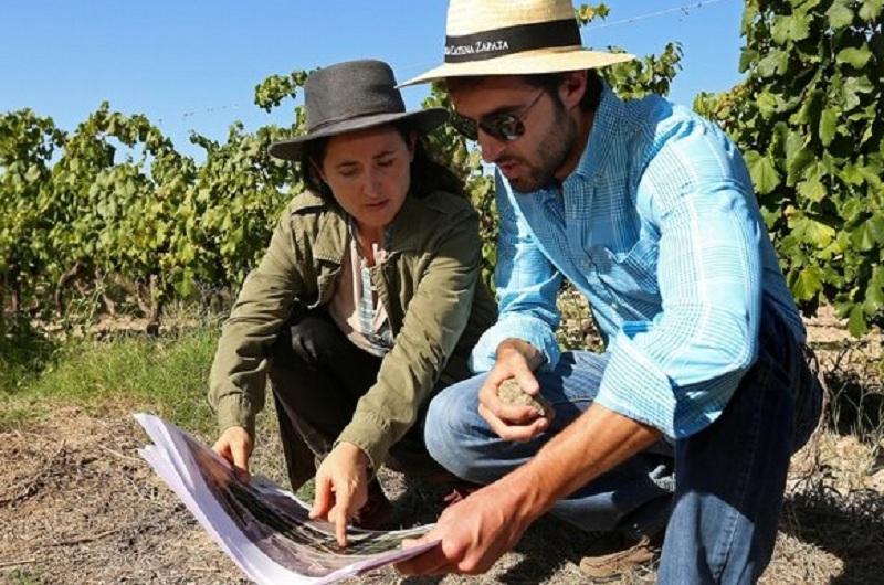 Laura Catena y Roy Urvieta, los principales responsables del estudio acerca del malbec y los terruños.