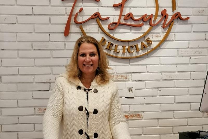 Laura Moron, dedicó gran parte de su vida a hacer tortas por hobby. Hace poco más de un año abrió un local y fue todo un suceso.