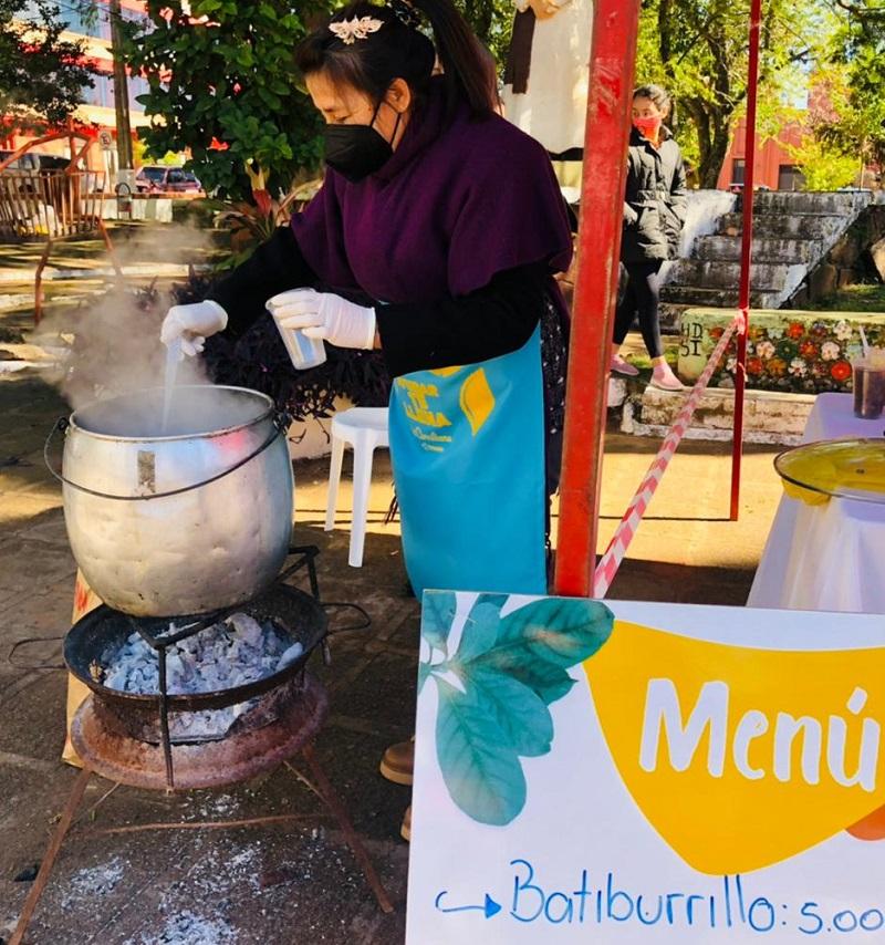 En San Ignacio, Misiones se sumaron a La Comilona ofreciendo platos a fin de recaudar fondos para Teletón.