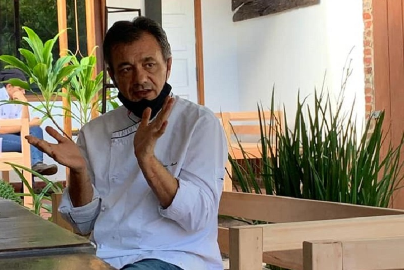 El chef Javier Rocca, volvió después de dos años al Paraguay. Se fue siendo chef ejecutivo del Mburicao. Ahora tiene un local propio.