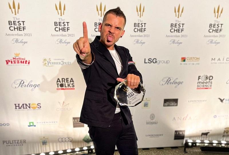 """""""Número Uno, increíble"""", expresó Dabiz Muñoz al publicar esta foto en sus redes sociales. El chef español fue elegido como mejor chef del mundo."""